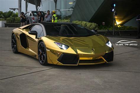 Lamborghini In Gold by Lamborghini Aventador Lp700 4 In Chrome Gold Derren Yang