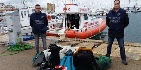 guardia costiera porto torres porto torres guardia costiera sequestra 2mila ricci