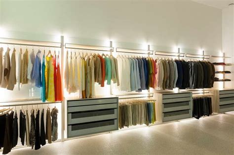 Closet Lighting Solutions | 10 affordable wireless closet lighting solutions2014