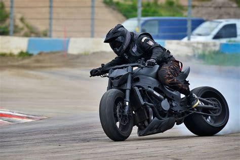 streetfighter motosiklet nedir cadde savascisi custom