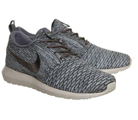 Sepatu Casual Nike Zoom Flyknit Sneaker Running 03 36 40 nike roshe run flyknit wolf grey black his trainers