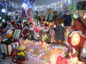 home alone christmas decorations light of my life divorcee spends 60 000 on christmas