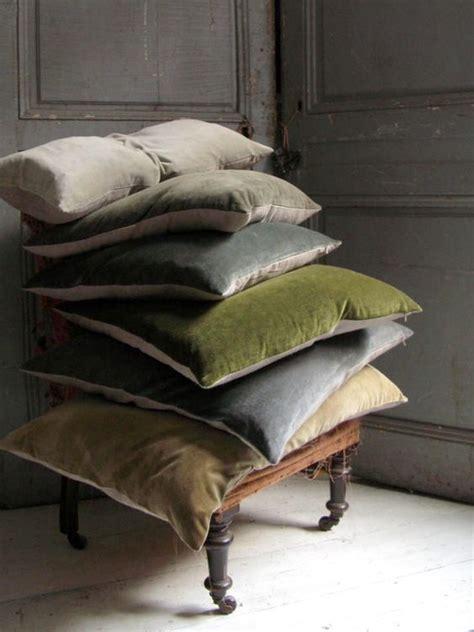 cuscini grandi per divano cuscini per divani alla ricerca comfort homehome