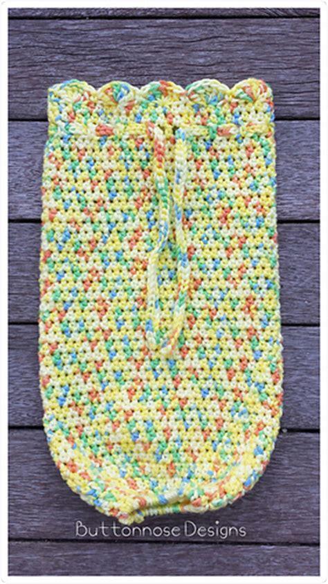 design pattern holder ravelry easy plastic bag holder pattern by buttonnose crochet