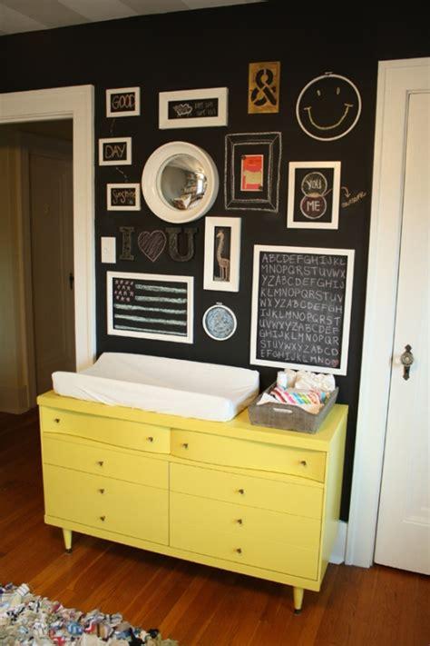 Tafelfarbe Kinderzimmer by Ideen F 252 R Baby Und Kinderzimmer Mit Dunkler Wandfarbe Und