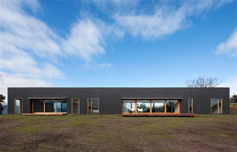 the beach house by doherty lynch australian design review doherty lynch australian design review