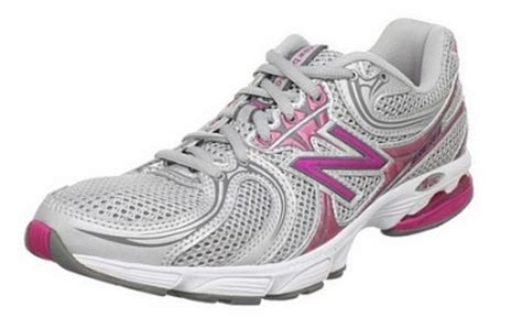 are nike or new balance walking shoes better