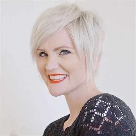 platinum pixie haircut for 42 year old best 25 platinum blonde pixie ideas on pinterest blonde