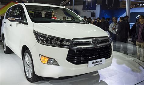 toyota innova price in india top model new toyota innova crysta launched in mumbai price