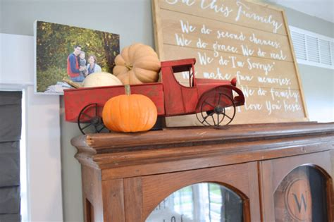 Small Woods Home Decor Fall Decor In The Living Room Newlywoodwards