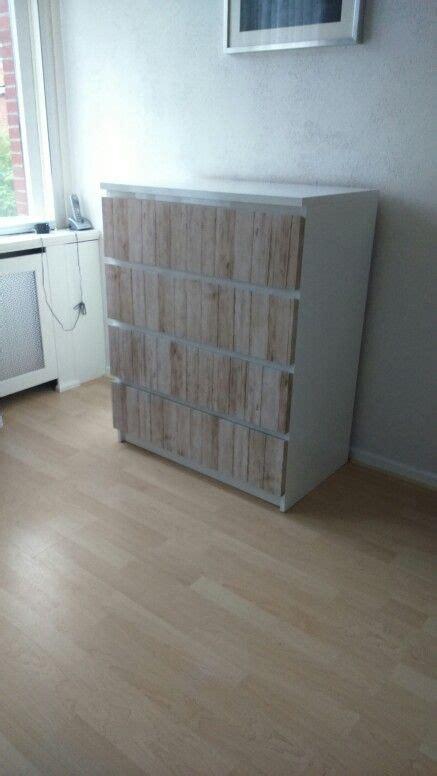 ikea hackers ikea meubelen pimpen tot originele meubelen ikea kast met steigerhout plakfolie en witte hoogglans