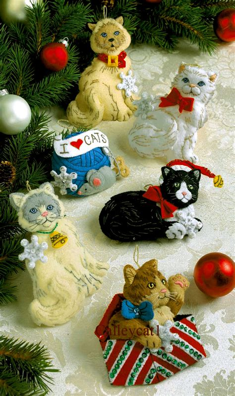 christmas kitties bucilla felt ornament kit 86065 fth