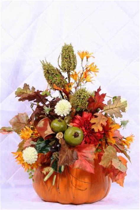 Fall Vase Arrangements by How To Create Fall Flower Arrangements In Handmade Pumpkin