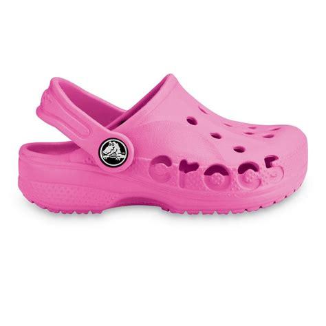 crocs baya shoe fuchsia a twist on the classic crocs