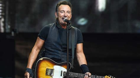 ticketmaster bruce springsteen verified fan bruce springsteen extends broadway run after tickets sell