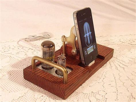 Handcrafted Radio - vintage handmade station for iphone and ipod
