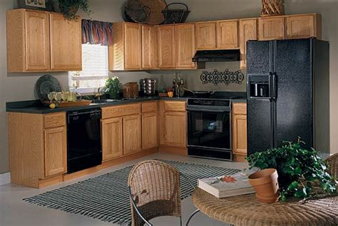 kitchen design with oak cabinets small horseshoe shaped kitchen with oak cabinets and