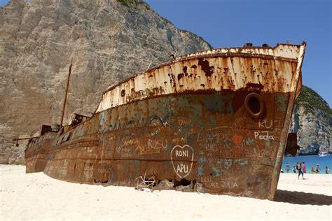 schip wrak navagio shipwreck beach how the shipwreck became a