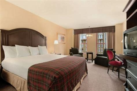 sams town rooms deluxe room king bed picture of sam s town hotel and las vegas tripadvisor