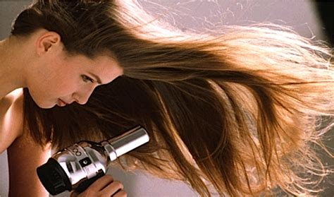 tips for haircuts at home hairstylist how to tips and tricks to maintaining your