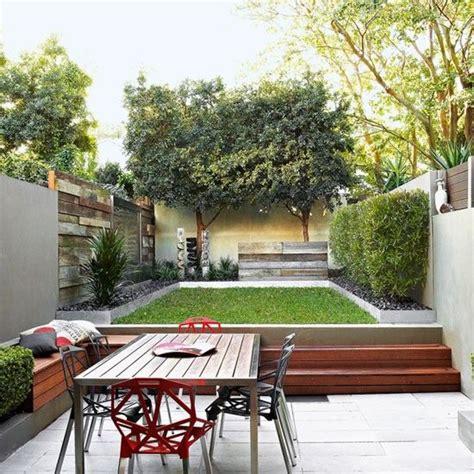 Tiered Backyard Landscaping Ideas Two Tier Garden Design Maison Pinterest Tiered Garden Gardens And Garden Ideas