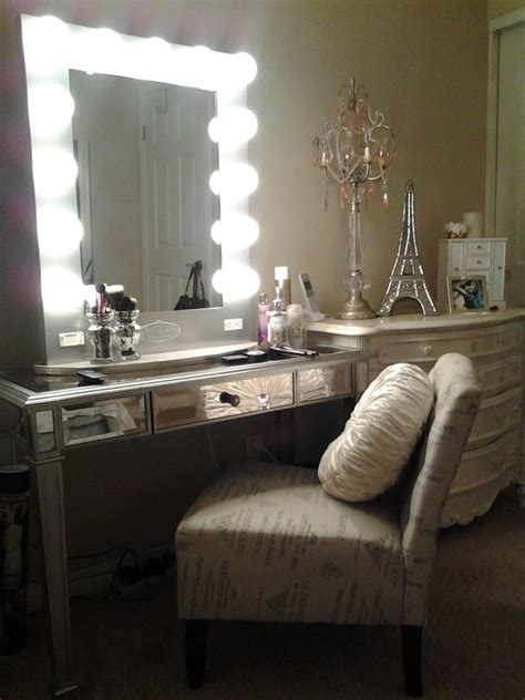 Bedroom Vanity With Lighted Mirror Makeup Mirror Mugeek Vidalondon