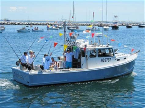 what kind of boat is the hot tuna captain ralph wilkins bluefin tuna fisherman fishing