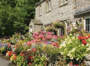 creating a quaint cottage garden domain