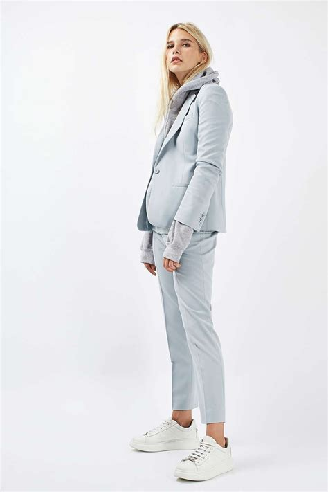 suit sneakers shoeper style suit and sneakers gt shoeperwoman