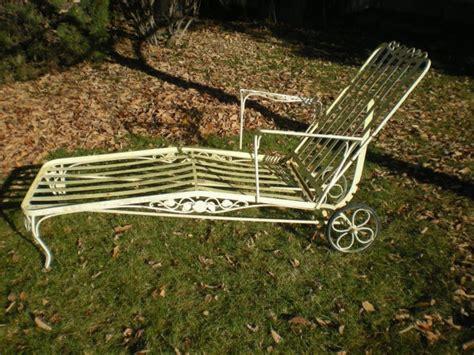 vintage iron chaise lounge  match   vintage