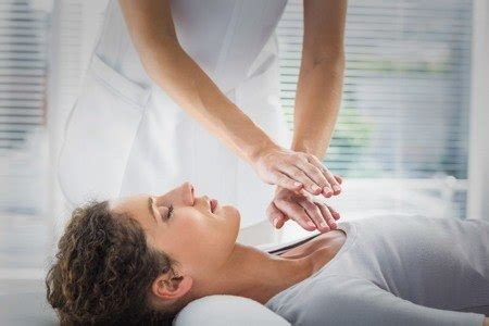 differences  reiki  massage therapy natural