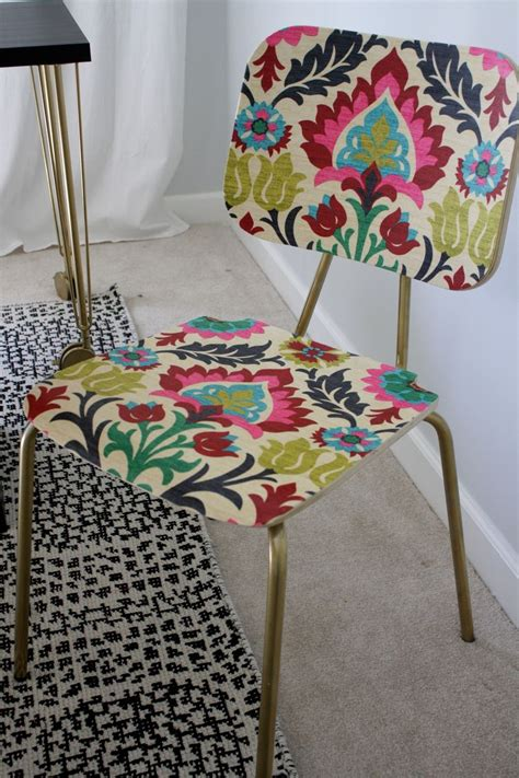 Decoupage With Fabric On Wood - hometalk quot upholster quot a wood chair with fabric and mod podge
