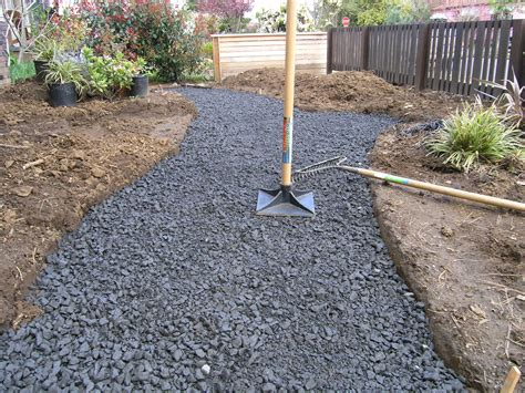 What Gravel To Use For Patio Base by How To Lay A Flagstone Path Hirerush