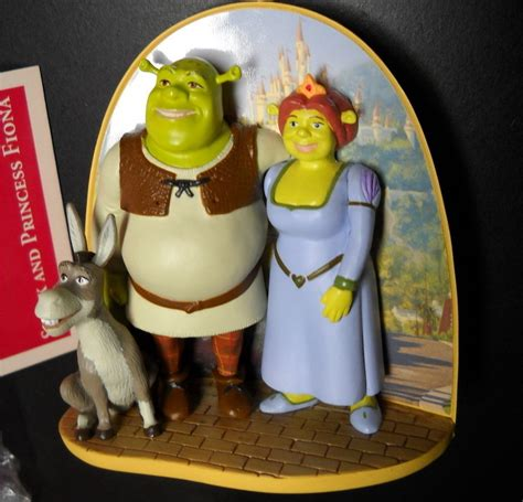 hallmark keepsake christmas ornament shrek and fiona 2005