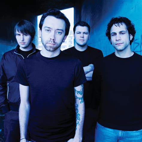 who sings swing life away rise against paper wings what is playing in my itunes