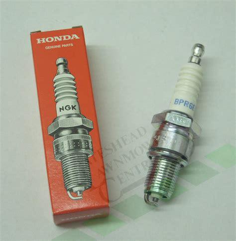 Honda Gcv160 Spark by Honda Ngk Bpr6es Spark Lr15yc Hrg415 Hrg465 Hrb425