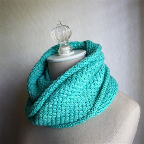 infinity scarf knitting patterns phydelle infinity scarf cowl knitting pattern phydeaux