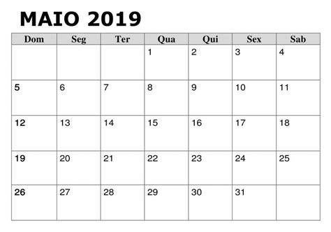 calendario maio  word search