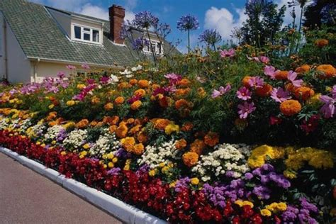 landscape flower bed ideas 33 beautiful flower beds adding bright centerpieces to