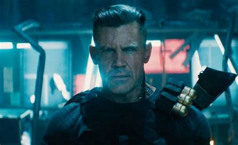 deadpool trailer cable deadpool 2 teaser trailer reveals cable and some cross