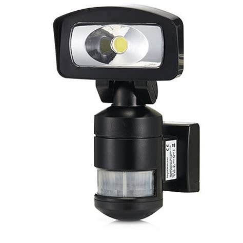 nightwatcher led security light nightwatcher nw520 robotic 11w cob led security light