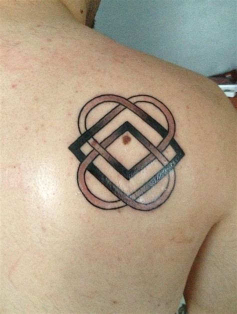 tattoo family celtic my first tattoo it s the celtic symbol for family and