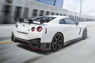 Nissan Gtr Nissan 2016 Nissan Gt R With More Ponies And New 45th Gold