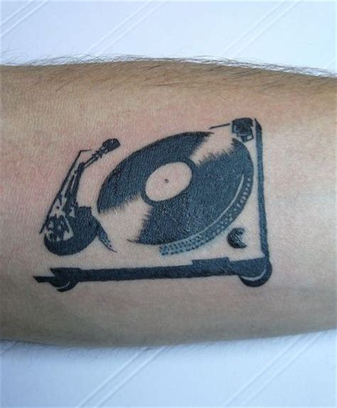 love tattoo vinyl record player tattoo vinyl pinterest