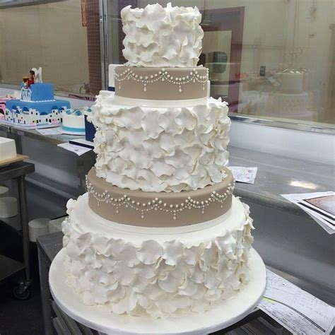 Best 25  Cake boss wedding ideas on Pinterest