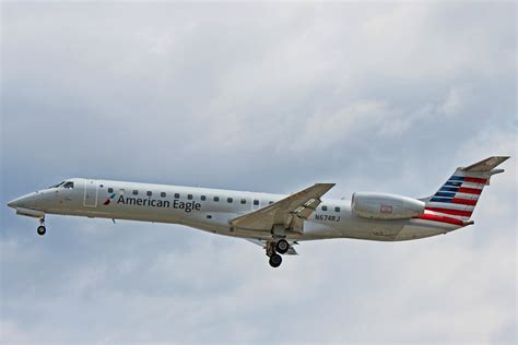 Erj 145 American Eagle n674rj american eagle embraer erj 145lr operated by