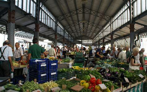 porta palazzo torino mercato il mercato di porta palazzo a torino una visita guidata