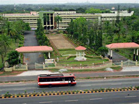 Government Mba Colleges In Mysore by Top 10 Engineering Colleges In Karnataka 2014 Careerindia