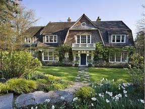 east homes a htons style home on bainbridge island hooked on houses