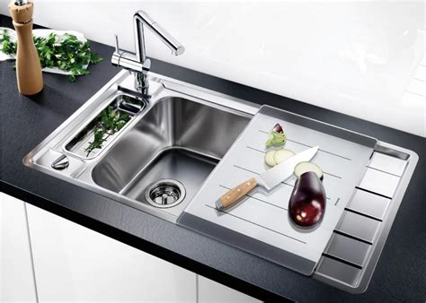 Cing Kitchens With Sinks The Beginner S Guide To Kitchen Sinks